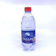 Вода Тассай газированная вкус клубники 0,5л